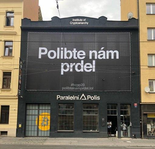 Polibte nám prdel - odkaz jasný - Paralelná polis Praha.