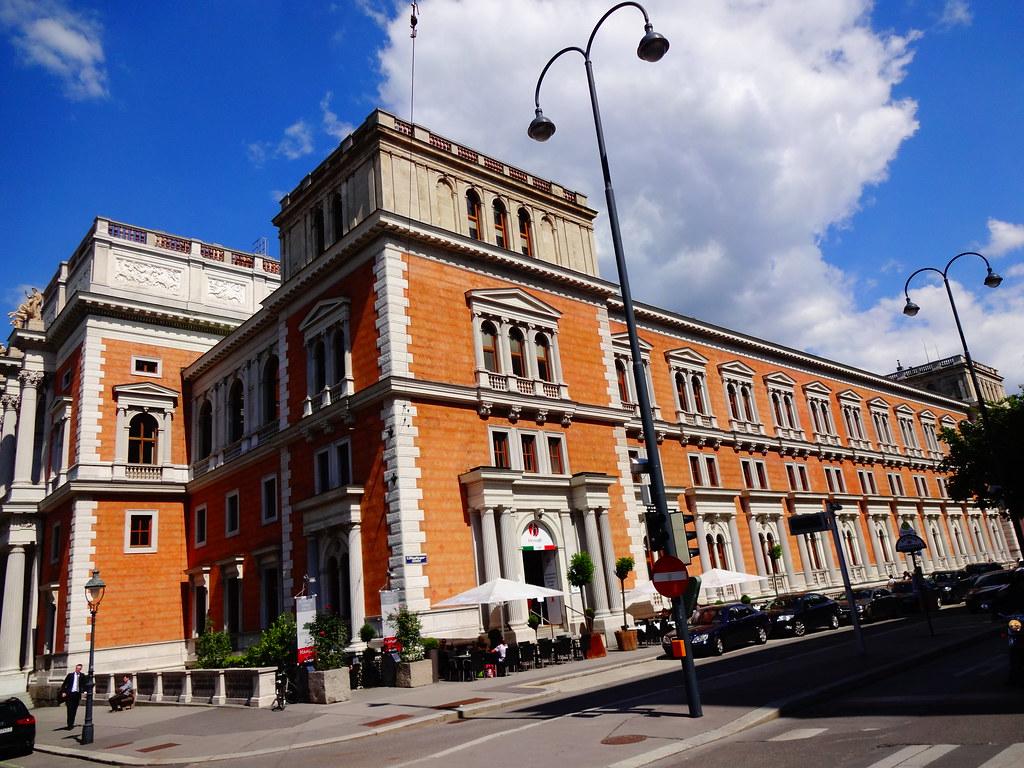 OFICIÁLNE - Viedeňská burza cenných papierov zalistuje do svojej ponuky Bitcoin a Ethereum. Rovnako aj Sigapurská burza.